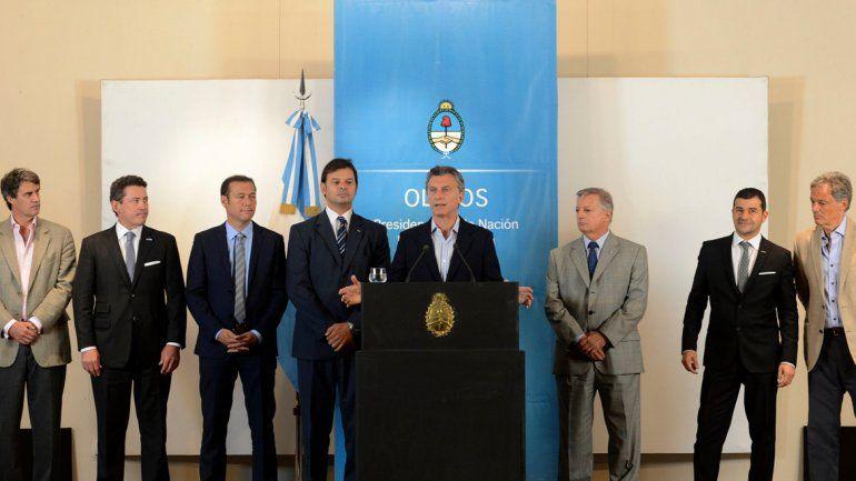 Foto sin ausencias. Macri anunció la inversión de YPF y Dow