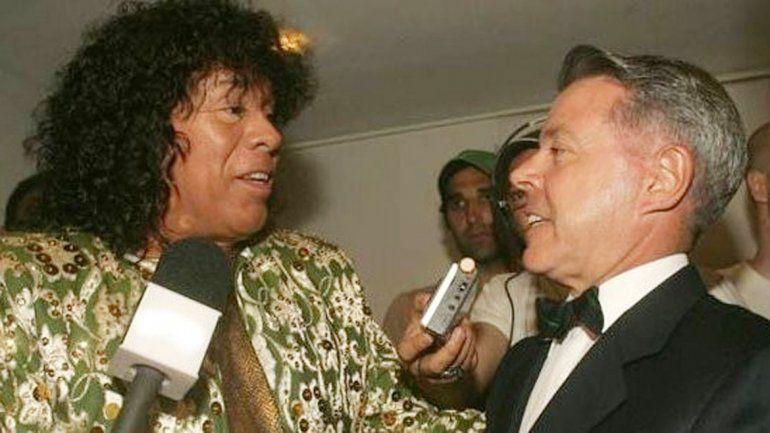 El juez trascendió los ámbitos tribunalicios al cantar con la Mona Jiménez.
