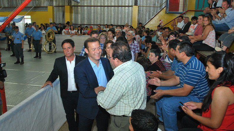 Gutiérrez participó ayer del acto por un nuevo aniversario de la localidad de Picún Leufú.