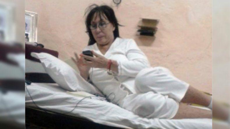 Moria está con cucheta exclusiva y uso de celular.