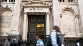 el banco central bajo su tasa de interes: quedo en 27,25%