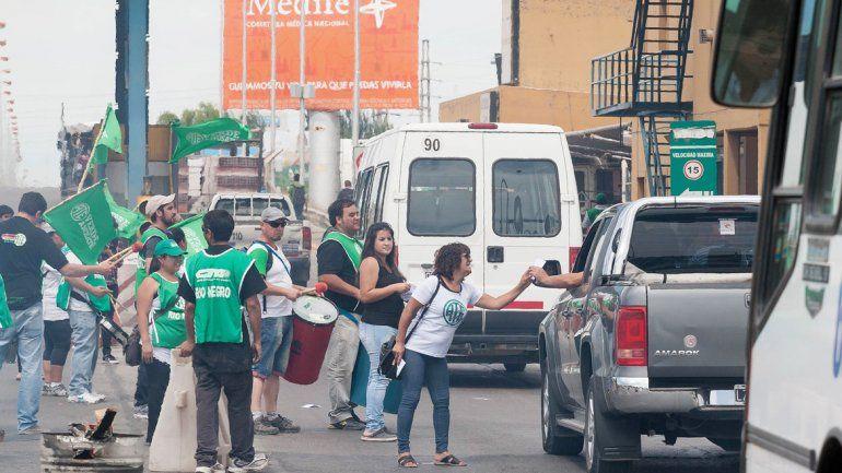 Los estatales hicieron un corte total y luego fueron liberando el tránsito paulatinamente.