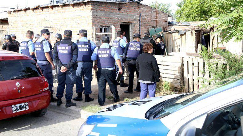 Varios agentes de policía