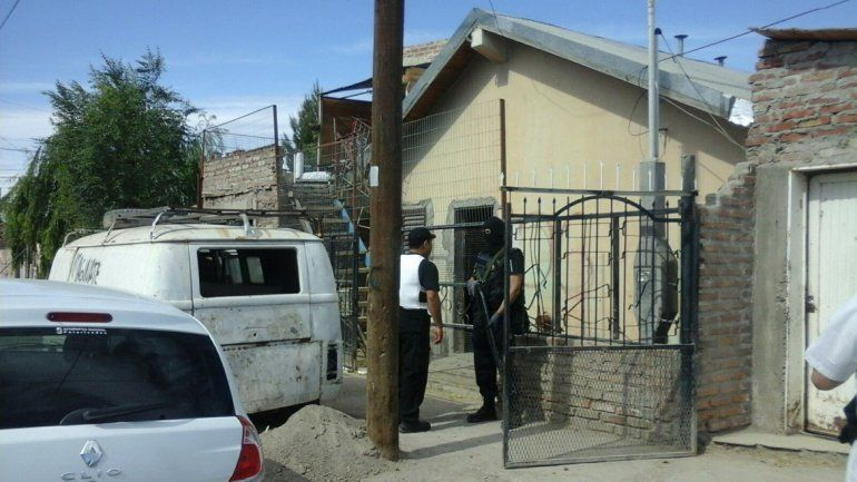 Allanamientos en República de Italia y Las Gaviotas en barrio San Lorenzo.