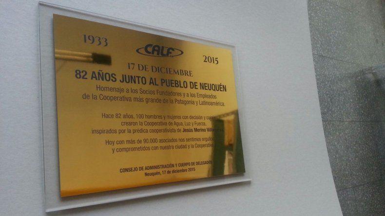 Colocaron una placa para celebrar los 82 años de CALF