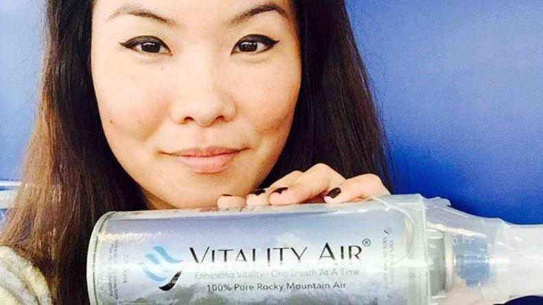 El envase con el aire importado de las montañas de Banff que se vendeen China y la máquina de envasado en origen