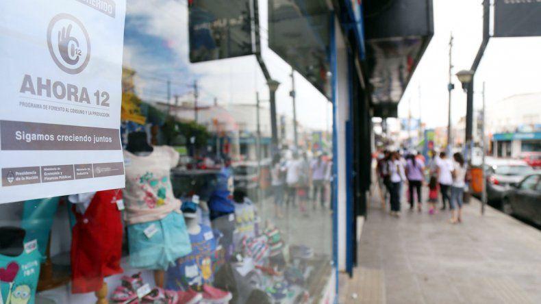 Los comerciantes se mostraron preocupados por las escasas ventas y aseguran que en diciembre la mayoría de ellas se hicieron a través del programa que facilita 12 cuotas sin interés.