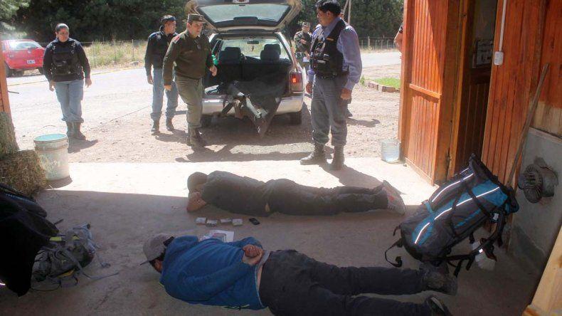 Atrapan a cuatro chilenos que querían entrar a la provincia con 460 mil pesos