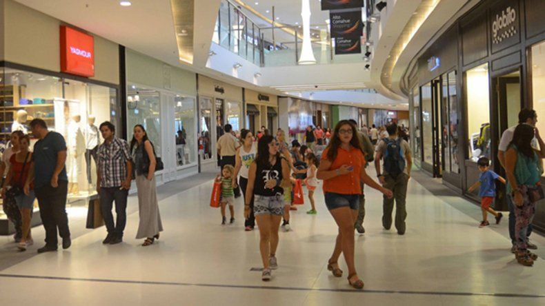 Con LM Neuquén, Fabián se ganó 10 mil pesos para gastar en el shopping
