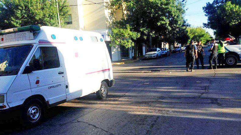 La Policía en la esquina de Yrigoyen y Belgrano