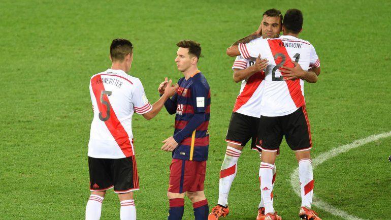 La tristeza e impotencia de los jugadores de River por la abrumadora superioridad del conjunto catalán
