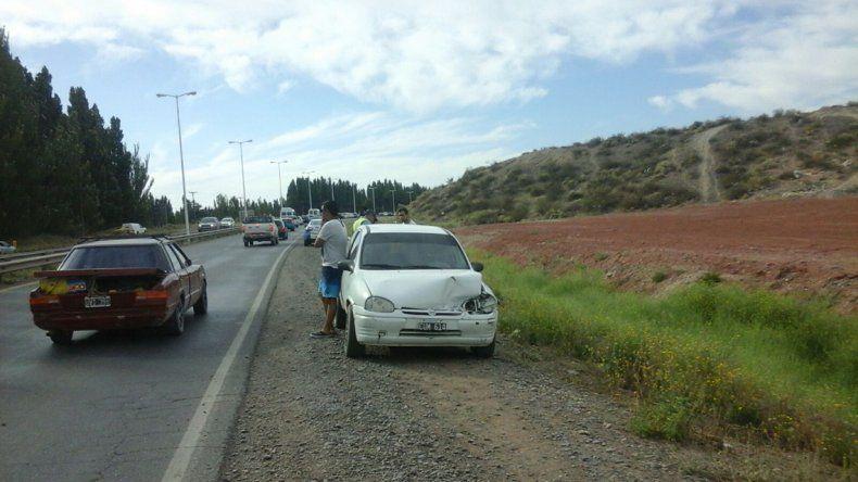 De no creer: ahora, se cayó una escalera de una camioneta y provocó otro choque múltiple en Ruta 7