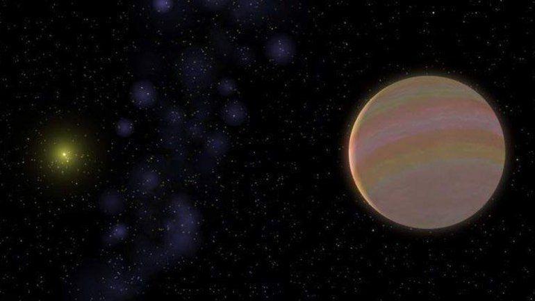 El planeta orbita alrededor de una estrella -HD 32963- similar al Sol.