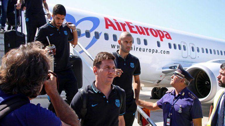 Los culé arribaron a Barcelona con la copa y tendrán minivacaciones.