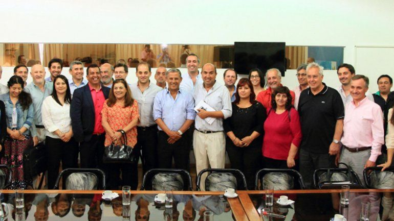 Quiroga y su gabinete se sintieron satisfechos por la concurrencia de casi todos los partidos políticos.