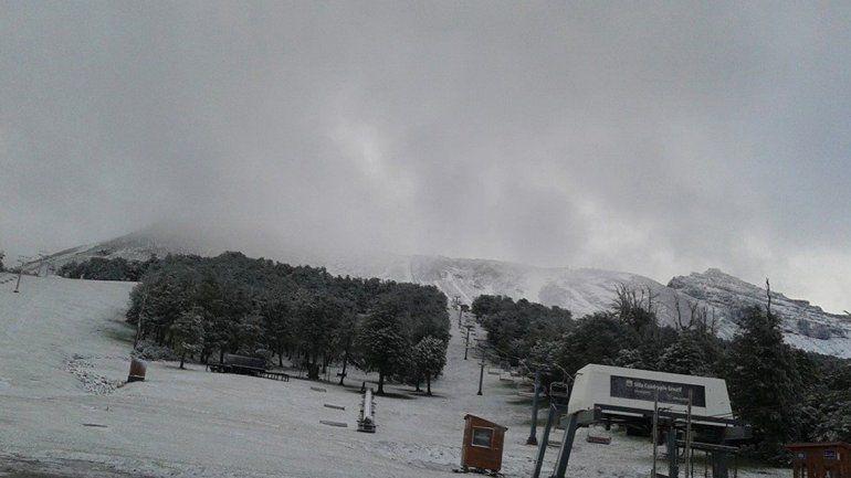 Sorpresa: el cerro Chapelco amaneció nevado