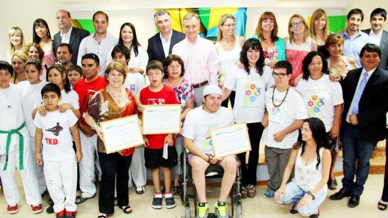 Los representantes de lasorganizaciones premiadas.