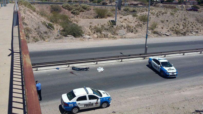 Murió tras arrojarse al vacío desde un puente en Ruta 7