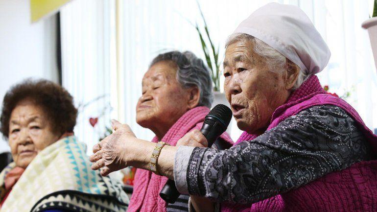 Mujeres surcoreanas que fueron llevadas a Japón hace 70 años para que se convirtieran en esclavas sexuales.