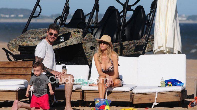 El clan Tinelli descansa en las cálidas playas uruguayas.