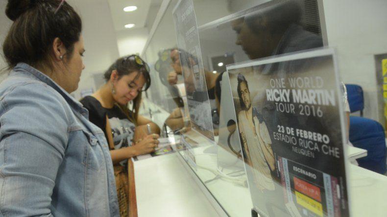 Furor de fanáticas neuquinas para ver el show de Ricky Martin