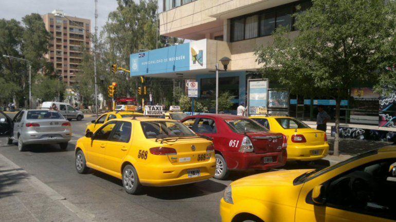 En tres horas, unos 300 taxistas fueron a poner el GPS