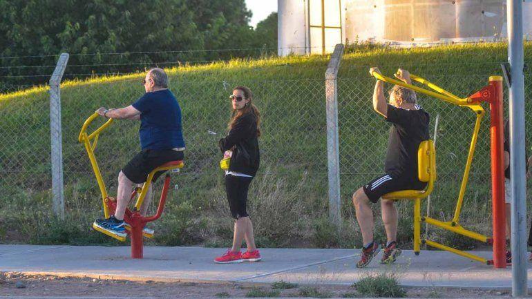 Los gimnasios al aire libre, una opción para estar en forma