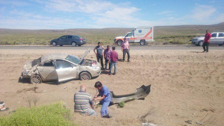 Afortunadamente los ocupantes del vehículo salieron ilesos.