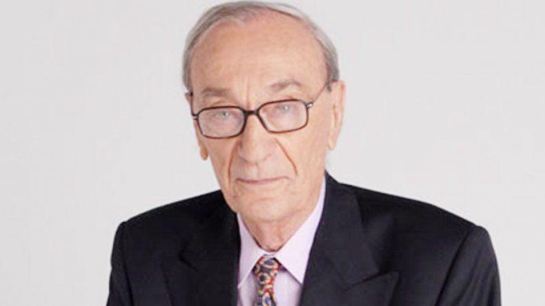 El periodista y locutor falleció a la edad de 89 años.