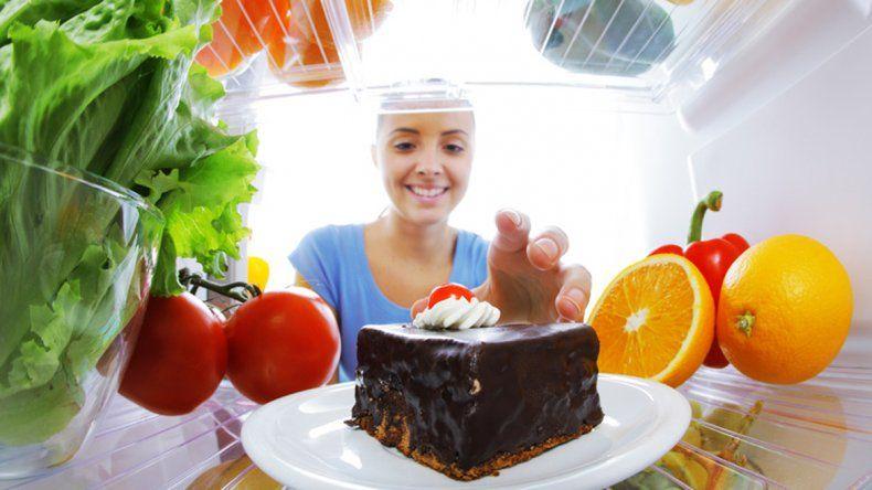 La ansiedad puede afectar nuestra alimentación.