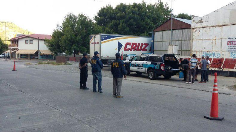 La Policía Federal realizaba un control en una empresa de transporte.