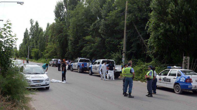 Los policías volvieron a peritar el lugar en busca de un proyectil.