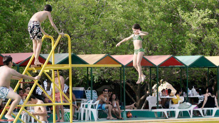 A pesar de contar con un balneario público y gratuito