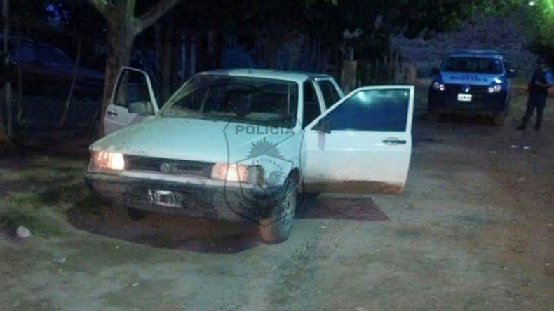 Los hombres fueron encontrados en un Volkswagen Senda en el barrio Hipódromo.