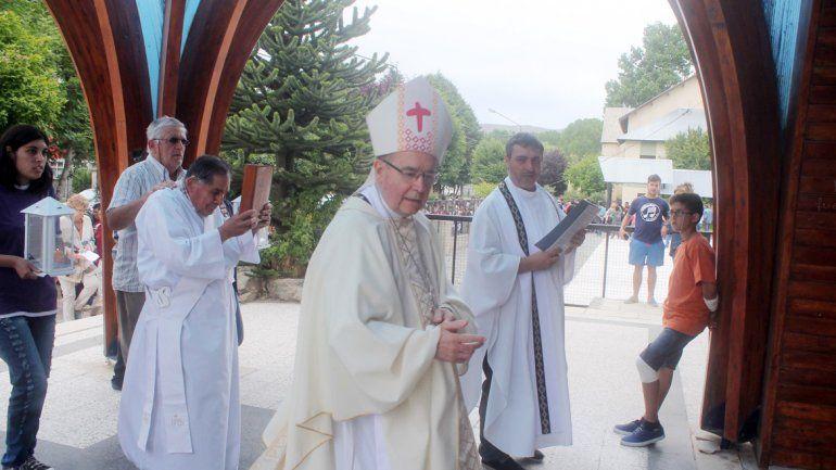 El Obispo Virginio Bressanelli durante la ceremonia.