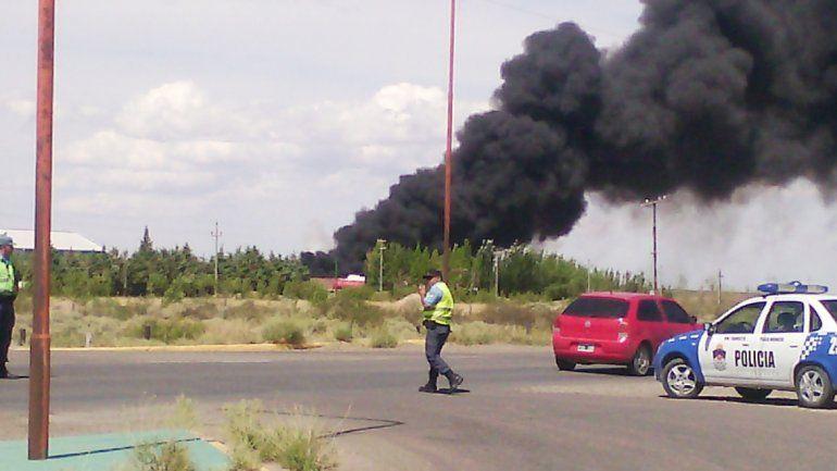 La empresa se incendió ayer en el parque petroquímico de Plaza Huincul.