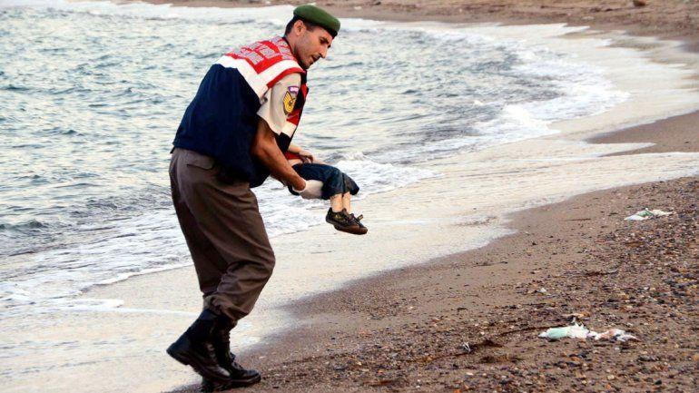 La imagen que estremeció al mundo en 2015: el cadáver de Aylan Kurdi