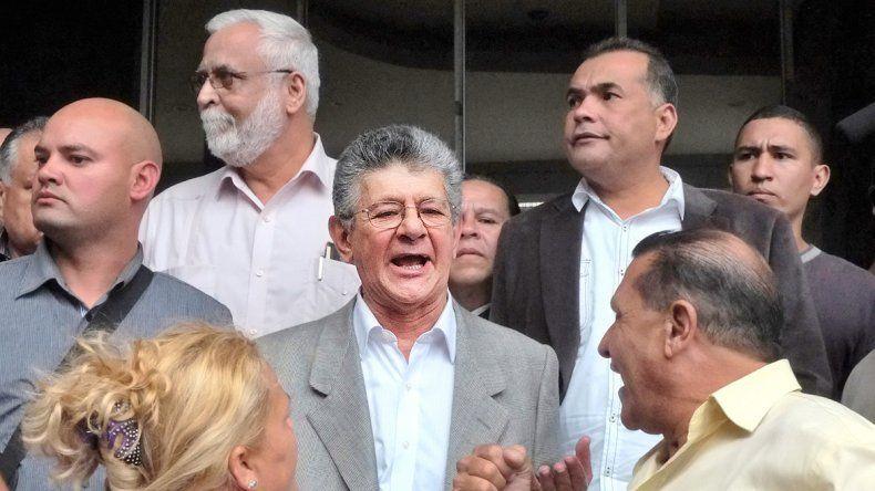 El opositor Henry Ramos Allup asumirá hoy al frente del Parlamento.