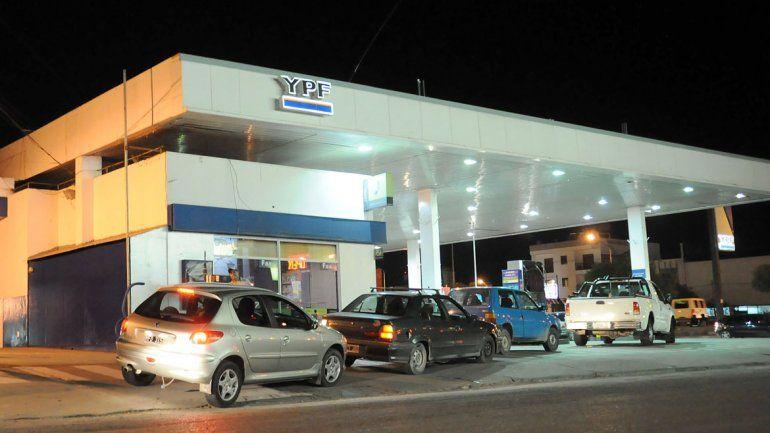 Peligra la provisión de combustibles por un paro de camioneros