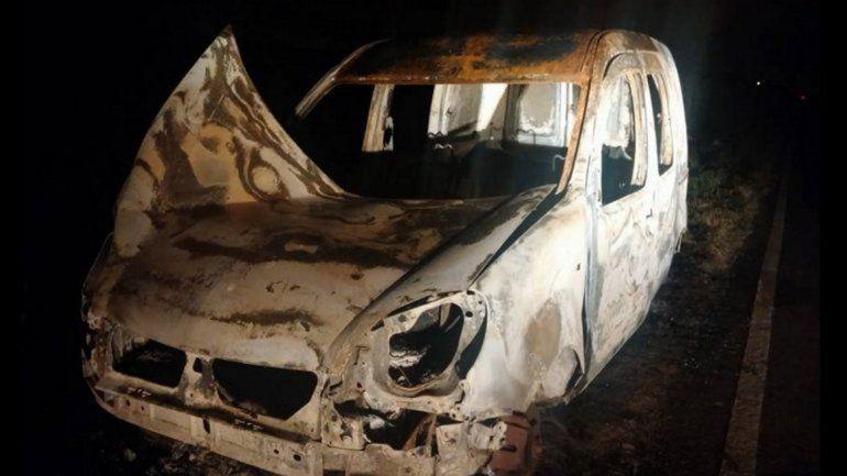 Hallaron quemada una camioneta en Florencio Varela
