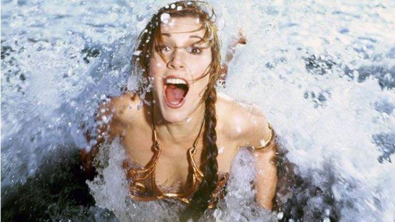 La aparición de las postales se da en momentos en que muchos de los seguidores de la saga cuestionaron a la actriz por su figura.