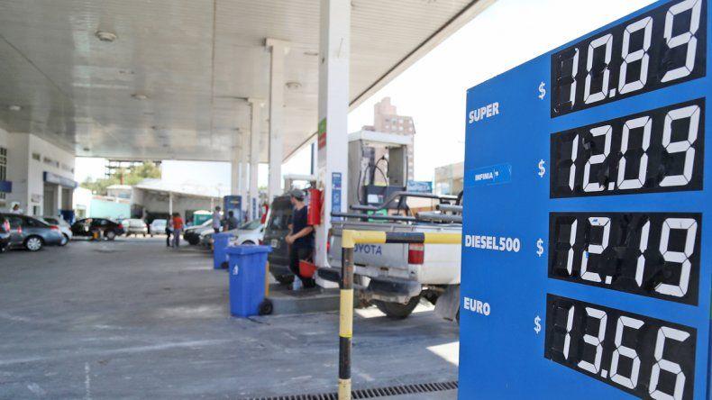 Ayer comenzó a regir otro aumento de los combustibles.
