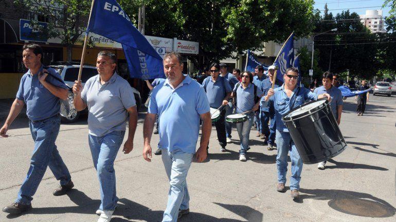 Anuncian paros sorpresivos en el EPAS por despidos de delegados