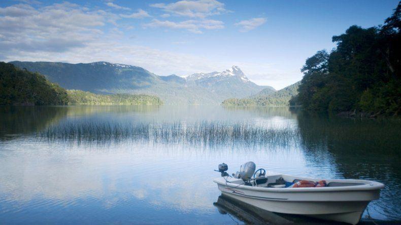 El lago Falkner se encuentra a 50 km de San Martín de los Andes.