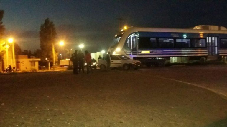 En menos de 24 horas, el tren se rompió y chocó