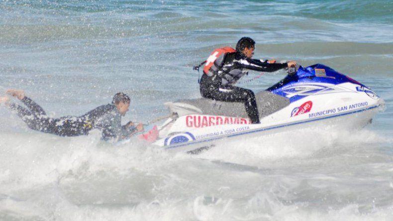 La raya fue descubierta por un turista cuando bajó la marea.