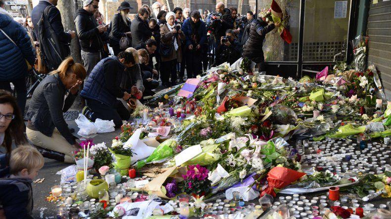 París homenajeó a las víctimas de los atentados de 2015