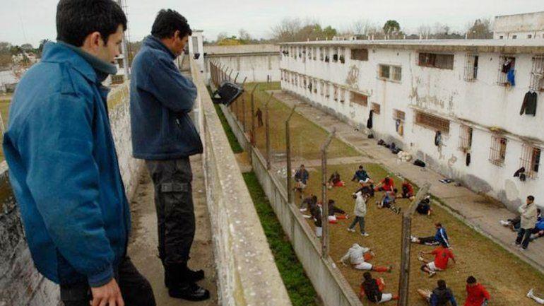El tráfico de condiciones de vida en los penales es moneda corriente.
