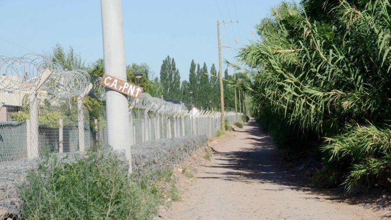 El alambrado olímpico estaba conectado directamente al poste de luz.