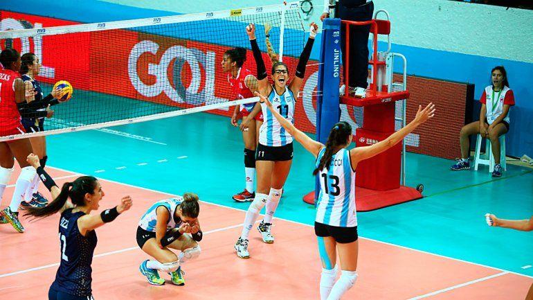 Las chicas del vóley cumplieron el sueño de clasificar a Río 2016.